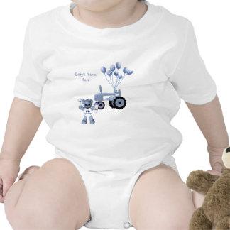 Ours de roses pâles et T-shirt rose de tracteur