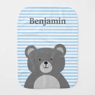 Ours gris avec le bébé rayé bleu linge de bébé