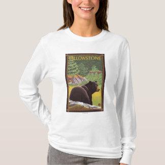Ours noir dans la forêt - parc national de t-shirt