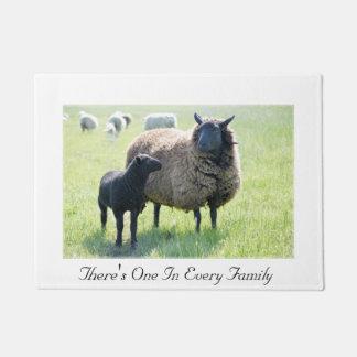 Paillasson Il y a d'un chez chaque mouton noir de famille