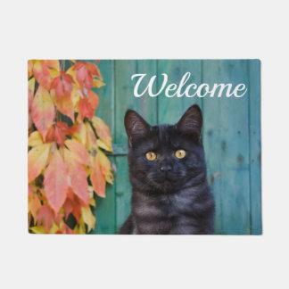 Paillasson Le rouge mignon de chaton de chat noir laisse