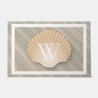 Paillasson Monogramme élégant de plage et de coquillage