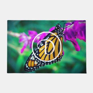 Paillasson Monogramme orange de coutume de photo de papillon