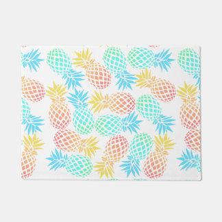 Paillasson motif coloré tropical d'ananas d'été élégant