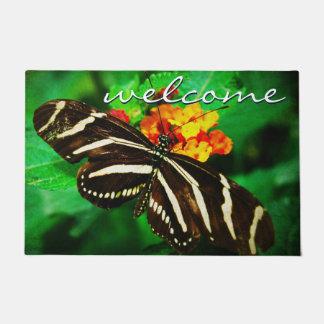 Paillasson Photo rayée noire et blanche de papillon de
