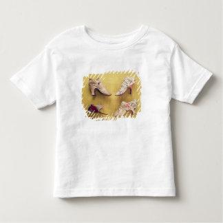 Paires de chaussures brodées, c.1714 t-shirt pour les tous petits