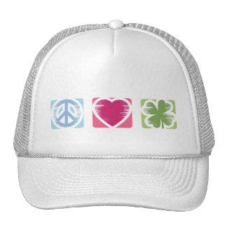 Paix, amour et casquette irlandais de chance