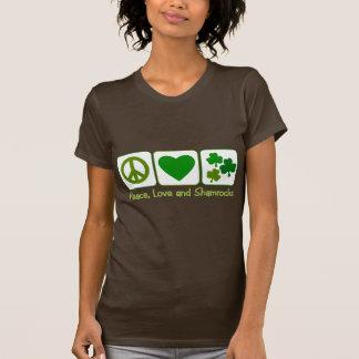 Paix, amour et shamrocks t-shirts