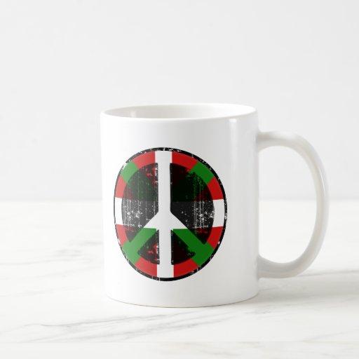 Paix dans le basque tasse