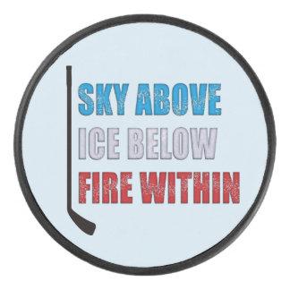 Palet De Hockey Ciel de galet de hockey sur glace au-dessus de