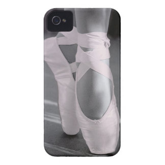 Pâlissez - les chaussures de ballet roses étuis iPhone 4
