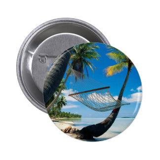 Palmiers avec le bouton de pinback d'hamac badge
