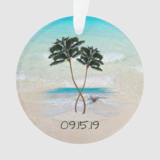 Palmiers et faveur de mariage d'océan