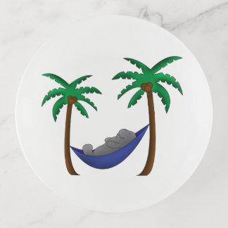 Palmiers et plateau de bibelot de lamantin