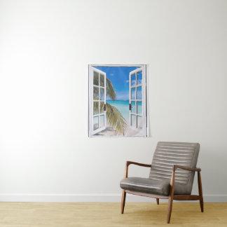 Palmiers et tenture de plage d'océan