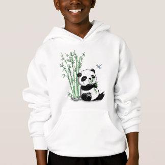 Panda mangeant le bambou