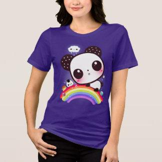 Panda mignon avec la nourriture de kawaii sur t-shirt