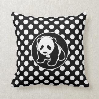 Panda sur le pois noir et blanc oreiller