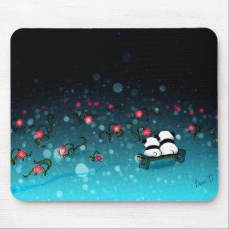 Pandas dans la neige tapis de souris