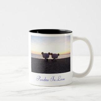 Pandas dans l'amour tasse