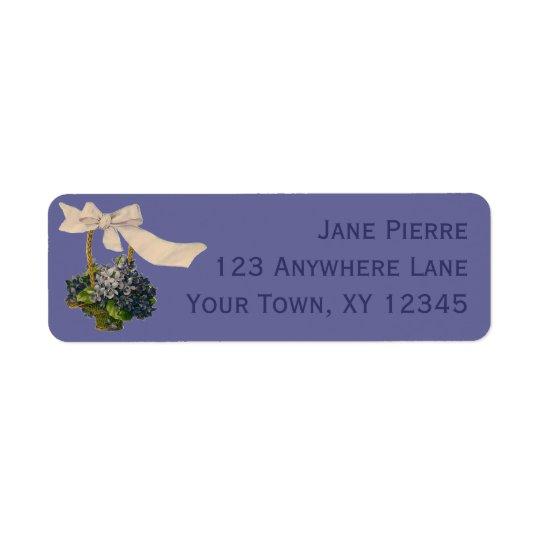 Panier vintage des violettes étiquette d'adresse retour
