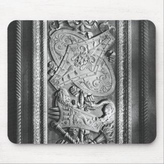 Panneau de porte, style de Henri II, c.1556 Tapis De Souris