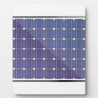 Panneau solaire sur le blanc plaque photo