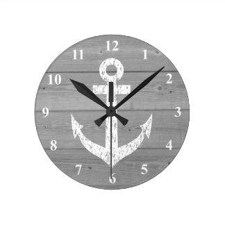   panneaux nautiques d'ancre et en bois de bateau horloge ronde