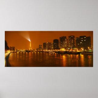 Panorama d'horizon de nuit de Pont Mirabeau Paris  Poster