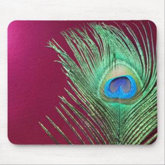 Paon simple avec les produits roses foncés tapis de souris