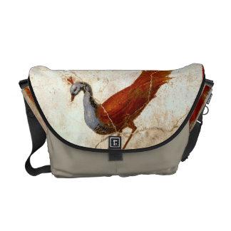 Paon sur le sac messenger à peinture d'antiquité besaces