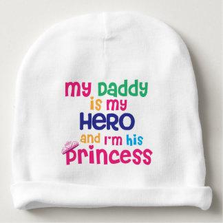 Papa de héros de citation de bébé et fille drôles bonnet de bébé
