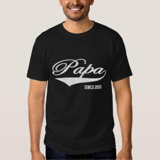 Papa depuis 20XX (personnalisable) T-shirts