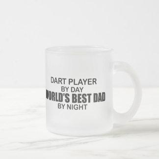 Papa du monde de joueur de dard le meilleur par nu mug en verre givré