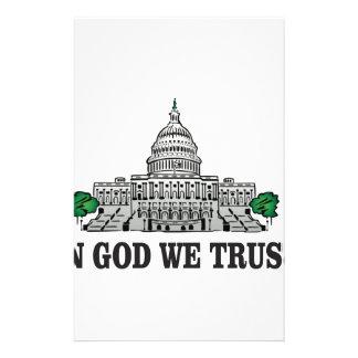 Papeterie capital dans un dieu que nous faisons confiance