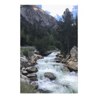 Papeterie Courant de montagne rocheuse