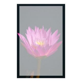 Papeterie Fleur pourpre vibrante de nénuphar de Lotus