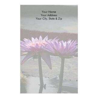 Papeterie Fleurs pourpres de nénuphar de Lotus