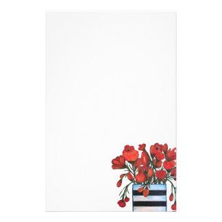 Papeterie Fleurs rouges dans le vase rayé noir et blanc
