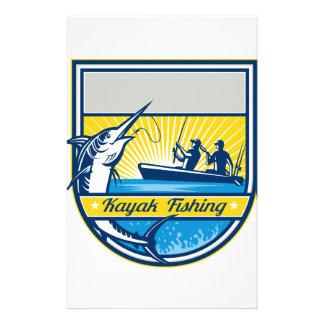 Papeterie Kayak pêchant l'insigne de Marlin bleu