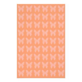 Papeterie Motifs de papillon oranges de corail légers