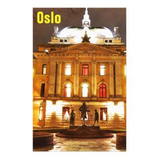 Papeterie Oslo, Norvège la nuit