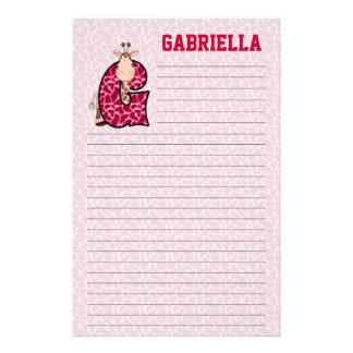 "Papeterie rayée rose de Mongrammed ""G"" de girafe"