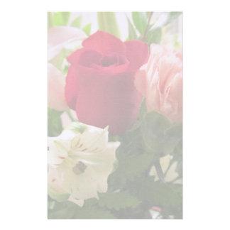Papeterie--Rose rouge et lis transparents Papier À Lettre Personnalisable