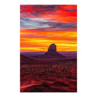 Papeterie Vue pittoresque de coucher du soleil au-dessus de