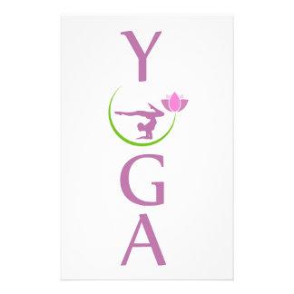 Papeterie yoga avec un lotus rose