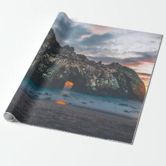 Papier Cadeau Belle voûte d'île rocheuse au coucher du soleil
