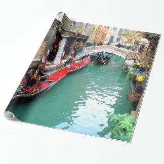 Papier Cadeau Gondoles sur un canal vénitien