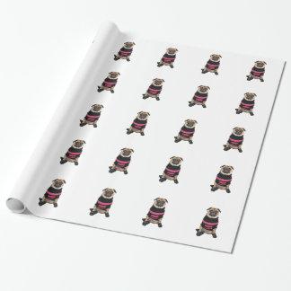 Papier Cadeau Habillé chien drôle de carlin avec le chandail et