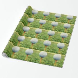 Papier Cadeau Jouer au golf - boule de golf sur la pièce en t